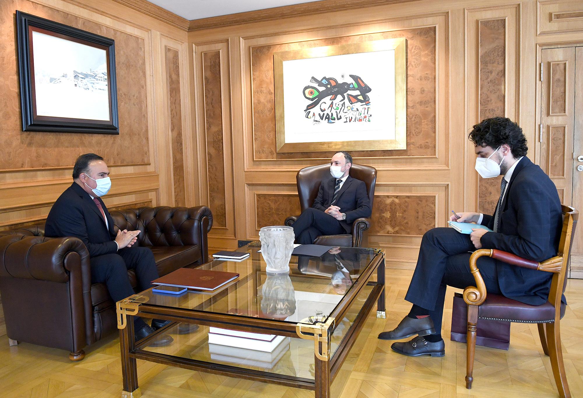 Embajador Luis Guillermo Plata presentó copias de estilo de las cartas credenciales ante el jefe de Gobierno del Principado de Andorra