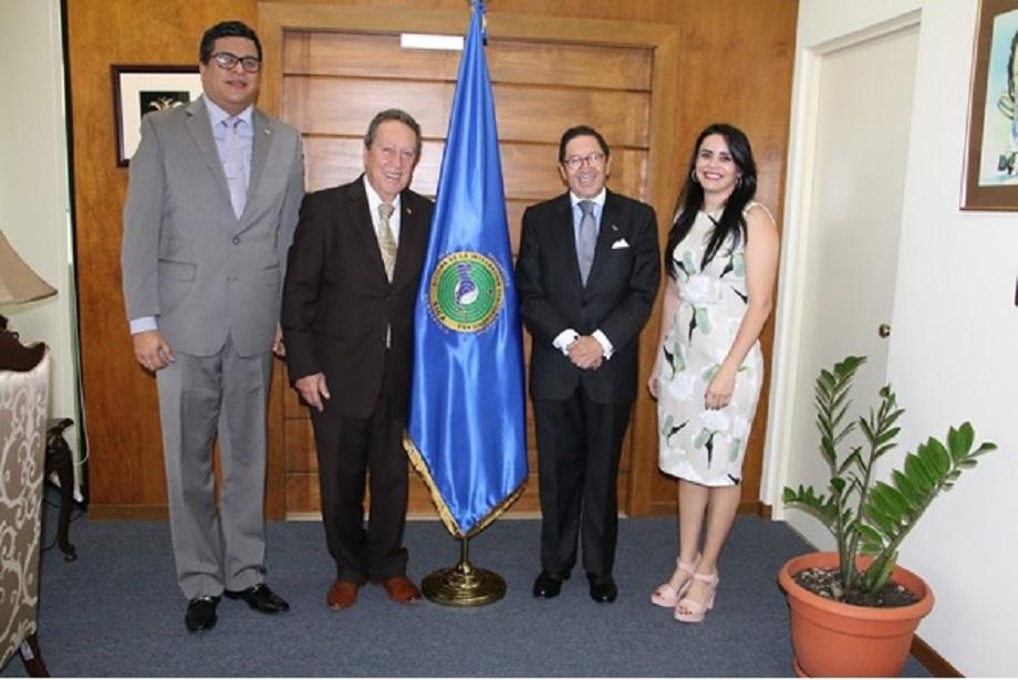 Embajador Julio Riaño visitó al nuevo Secretario General del Sistema para la Integración